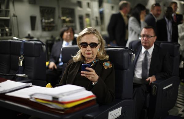 1-Hillary-C17-Plane-1